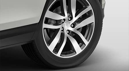 2017 Honda Pilot with 20 inch alloy wheels