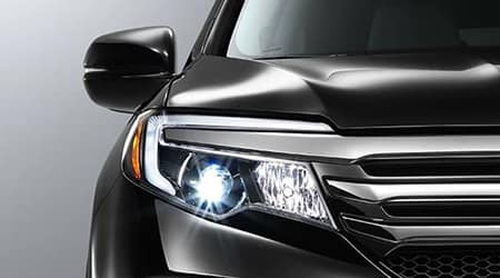 2017 Honda Pilot with LED Headlight Auto On off