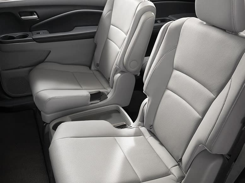 2019 Honda Pilot with Captain's Chairs
