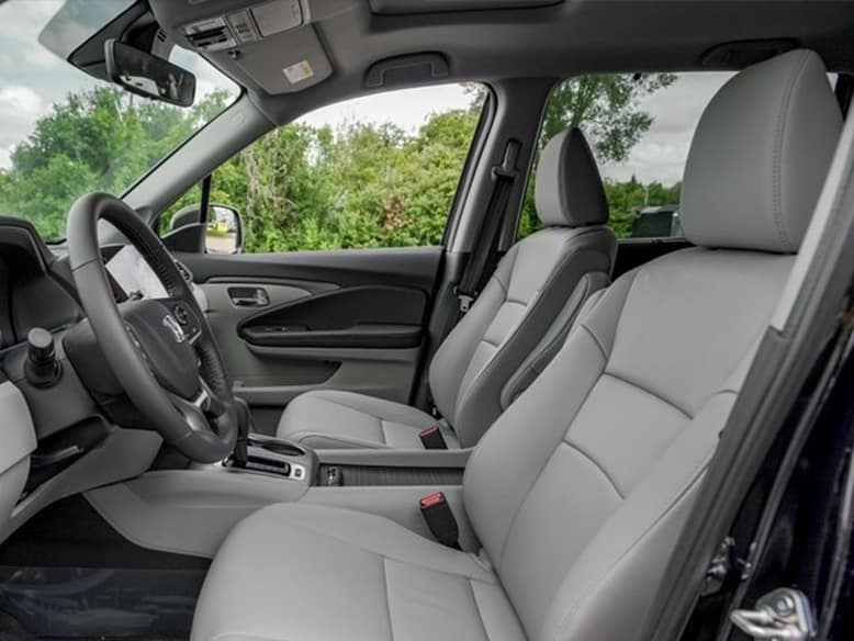 2019 Honda Pilot with Heated front seats and mirrors