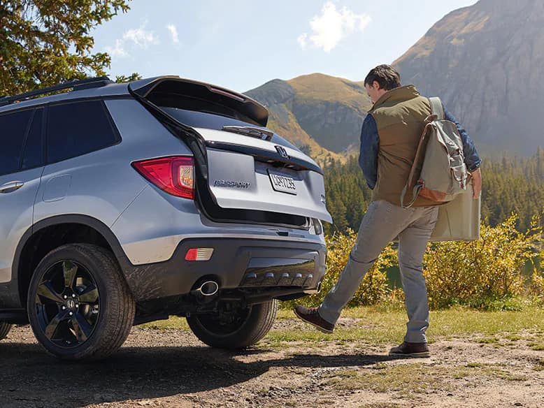 2020 Honda Passport with hands-free access power tailgate
