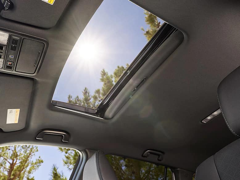 2020 Honda Passport with one-touch power moonroof