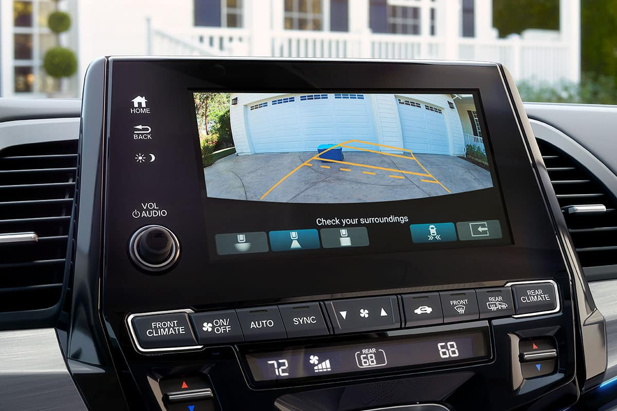 2021 Honda Odyssey with rearview backup camera
