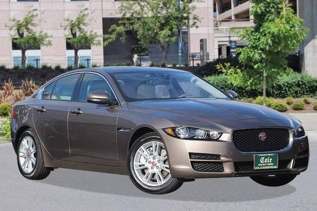 New 2017 Jaguar XE 25t Premium RWD Sedan