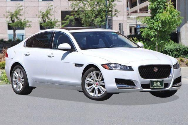 2016 Jaguar XF 35t Premium RWD