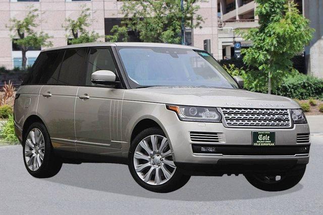 2017 Land Rover Range Rover 5.0L V8 Supercharged 4WD w/ Navigation