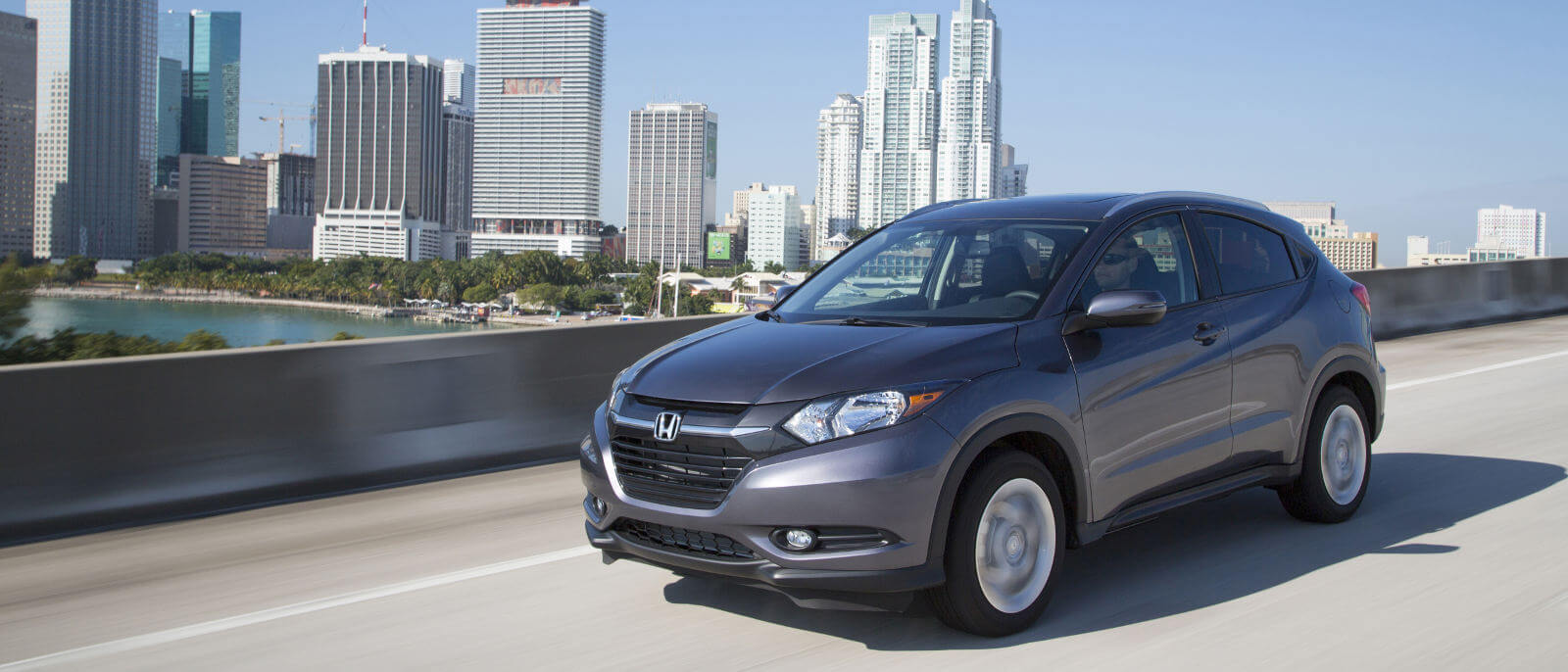 2016 Honda HR-V city driving