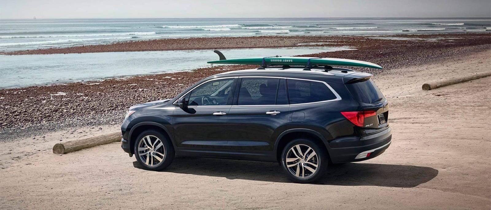 2016 Honda Pilot beach scene