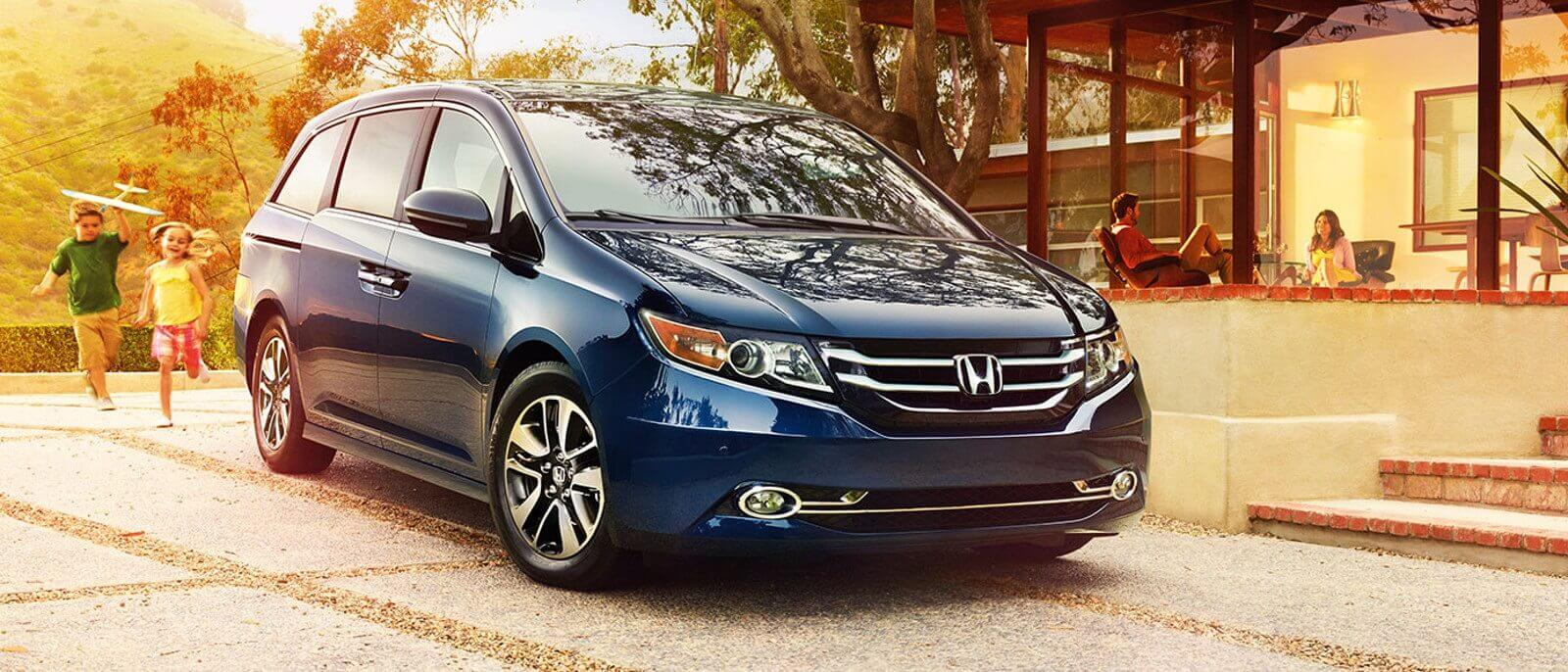 2016 Honda Odyssey front view