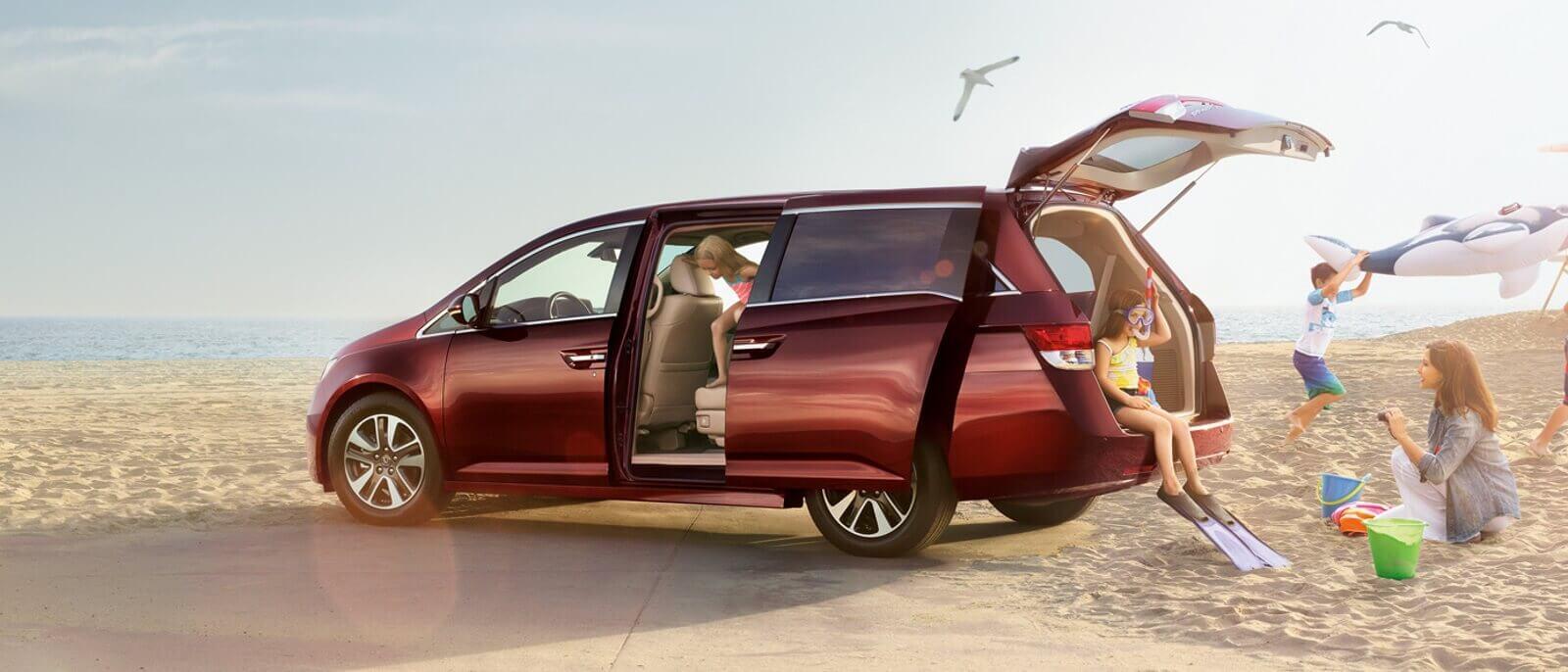 2016 Honda Odyssey beach scene