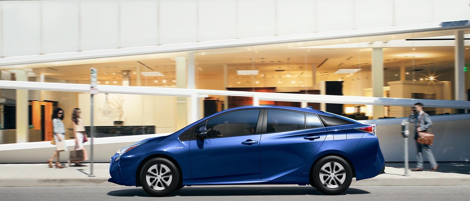 2016 Toyota Prius blue exterior