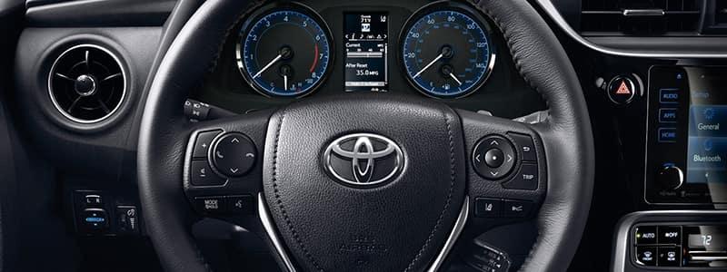 2018 Corolla Interior Features