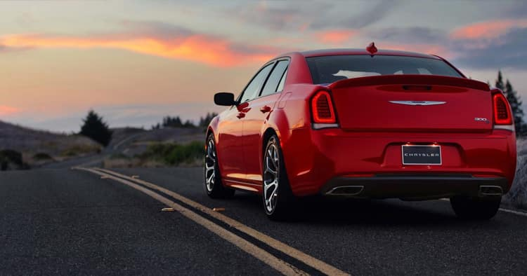 Red 2018 Chrysler 300s