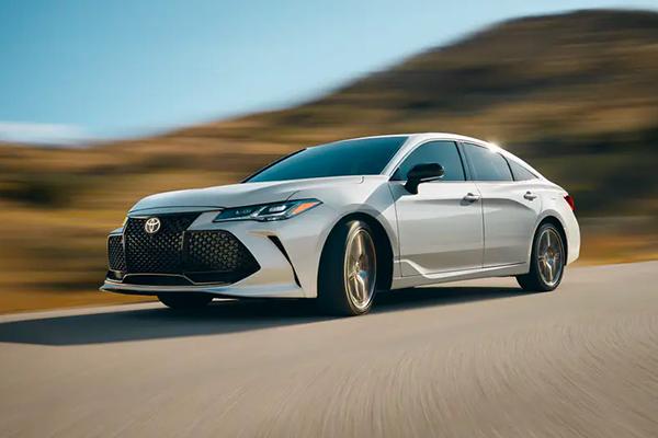 2020-Toyota-Avalon-Hybrid
