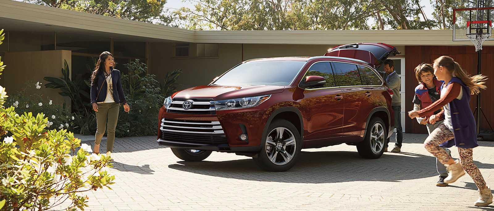 2017 Toyota Highlander Red