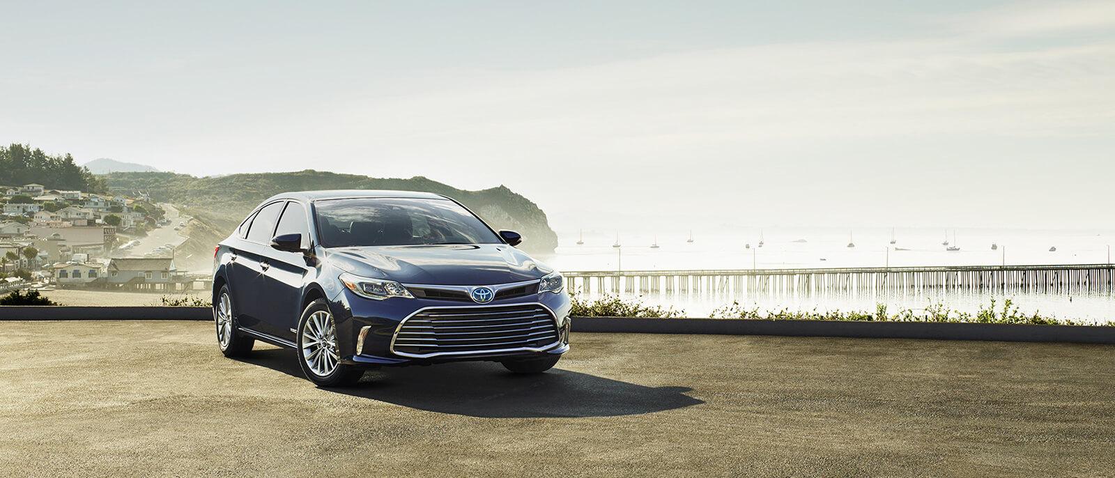2017 Toyota Avalon Parked