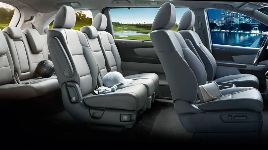 2017 Honda Odyssey Gray Seating Interior