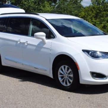 2017 Chrysler Pacifica White