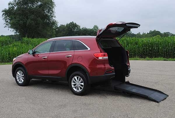 Wheelchair accessible kia sorento info freedom motors usa for Kia motor finance physical payoff address