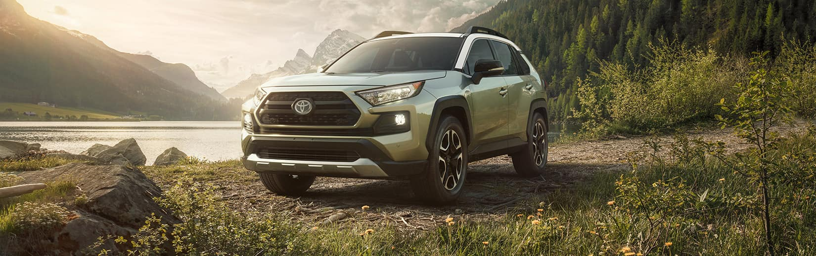 Compare the 2020 Toyota RAV4 vs. the Honda CR-V crossovers at Glen Toyota in Fair Lawn NJ