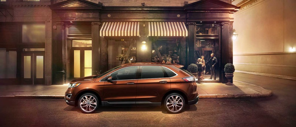 2017 Ford Edge Side