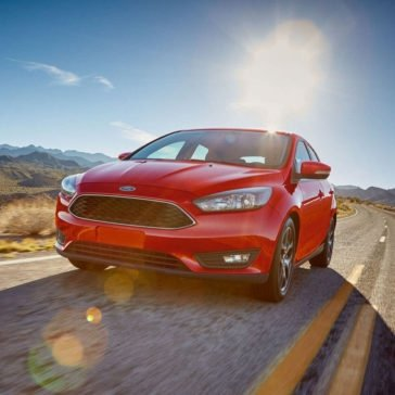 2017 Ford Focus SEL Race Red Gallery 2