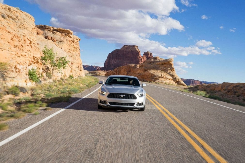 2017 Ford Mustang EcoBoost Exterior Gallery 2
