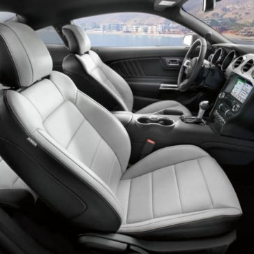 2017 Ford Mustang EcoBoost Fastback Interior Gallery 7