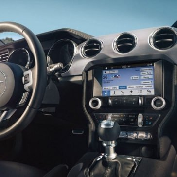 2017 Ford Mustang GT Premium Interior Gallery 5