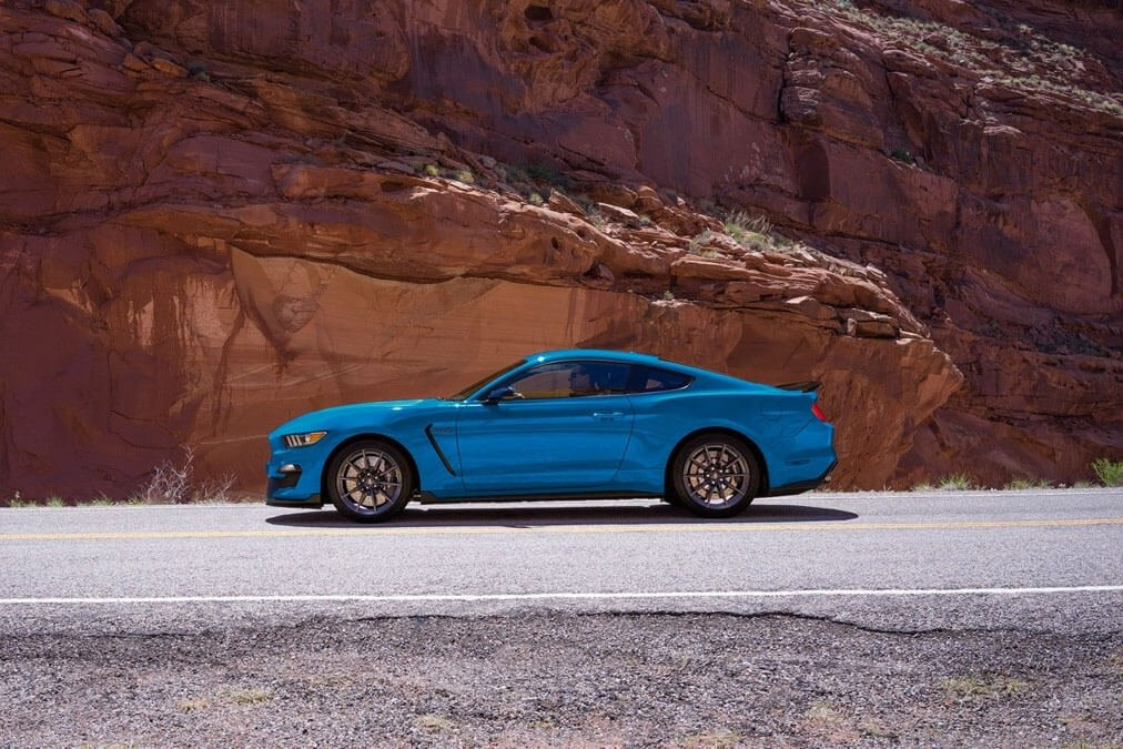 2017 Ford Mustang Shelby GT350 Exterior Gallery 3