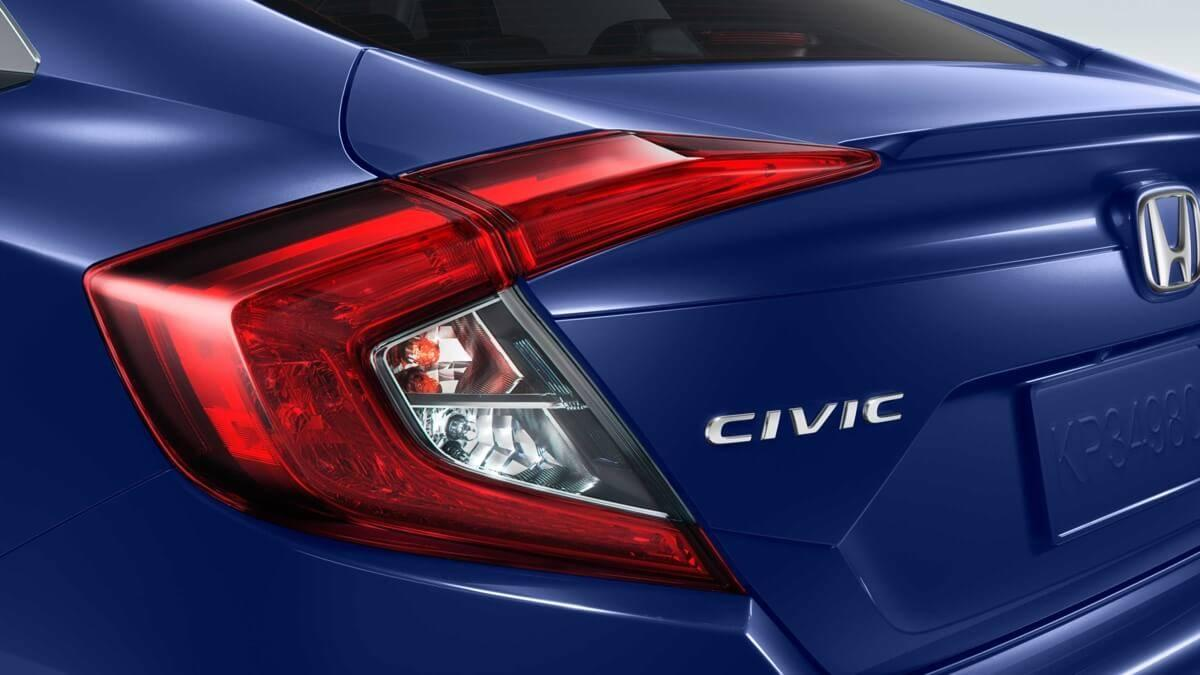 2017-Honda-Civic-Sedan-Rear-View-Up-Close