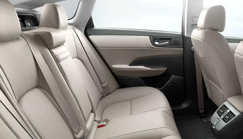 2018 clarity phev five passenger seating