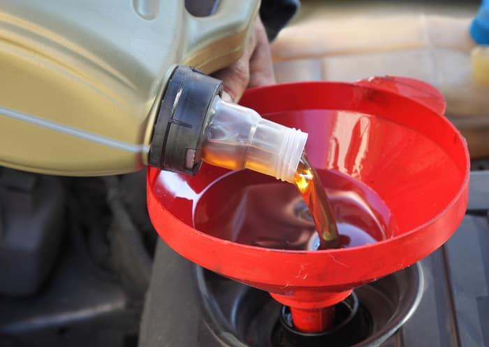 filling oil