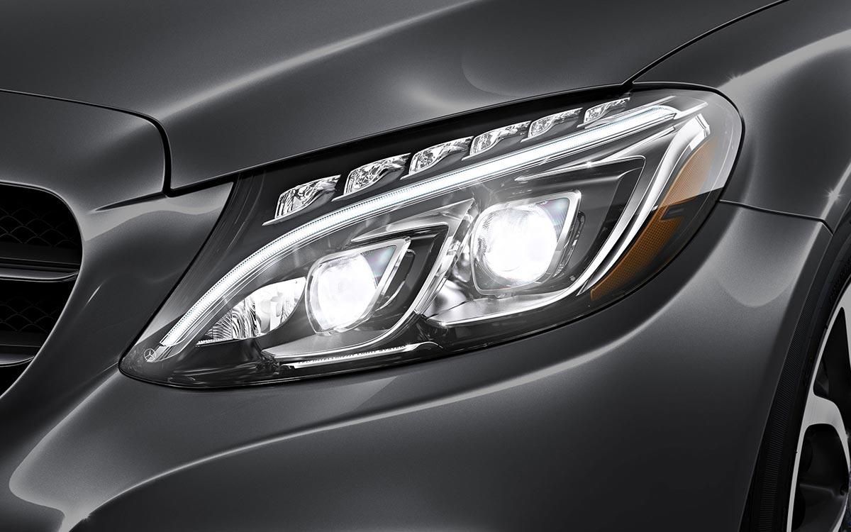 2017-C300-Sedan Headlight closeup