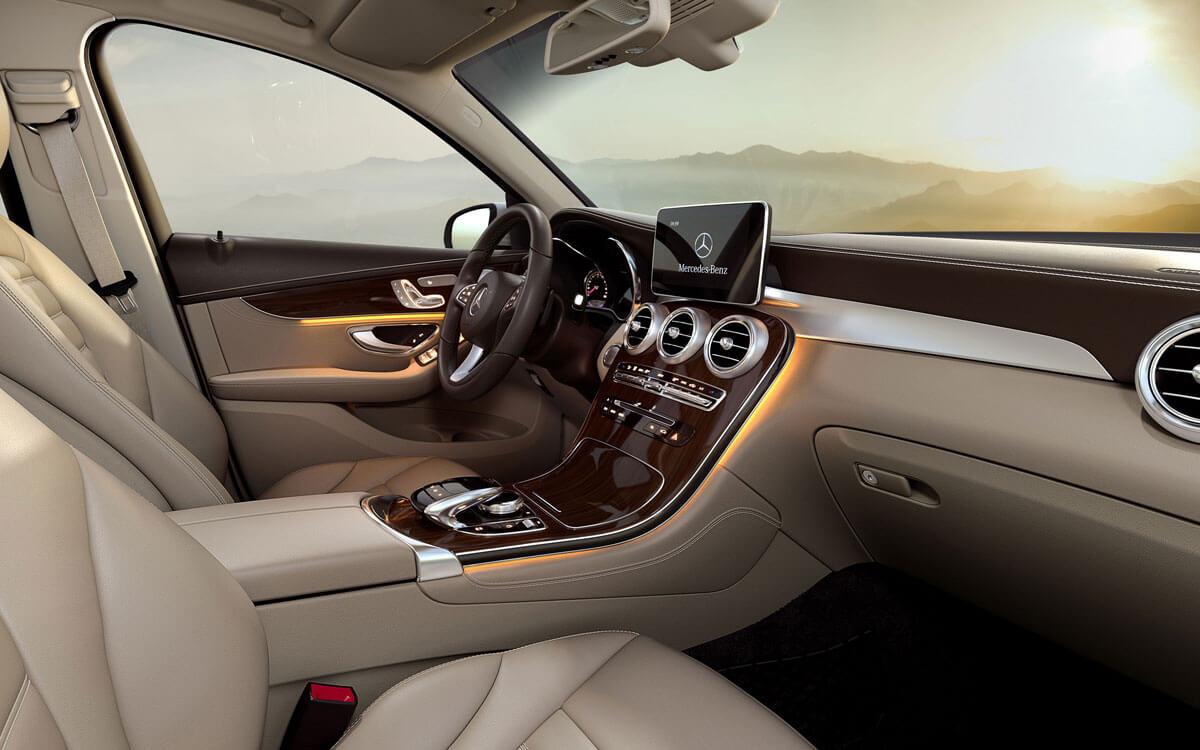 2017 GLC interior dashboard