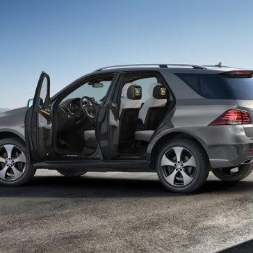 2018 Mercedes-Benz GLE distant exterior shot