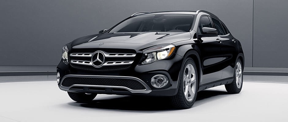 2018 Mercedes-Benz GLA SUV black exterior model