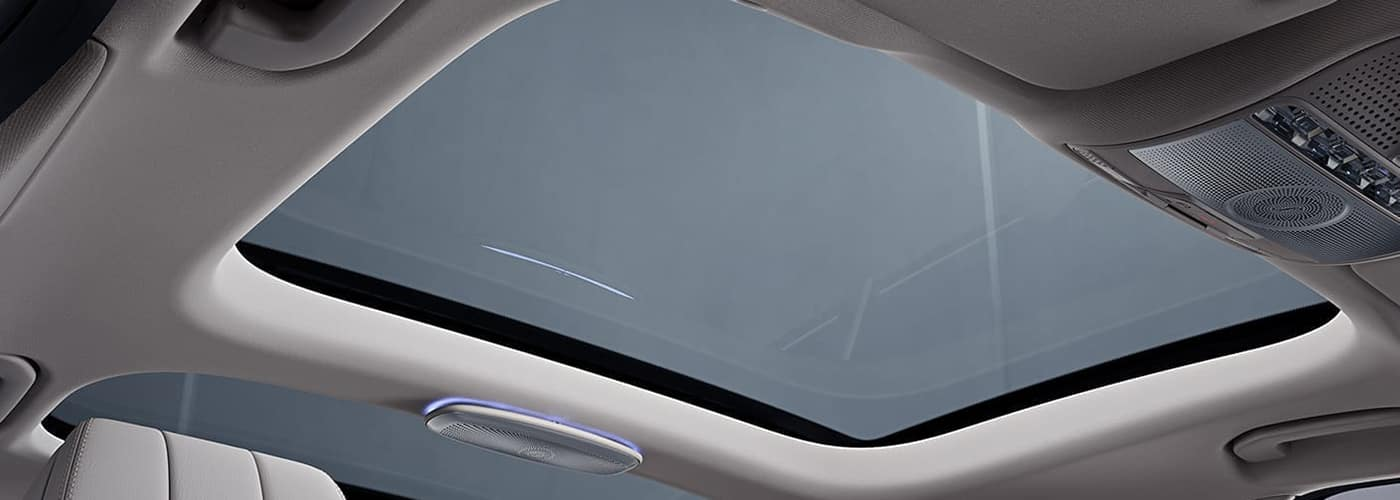 Moonroof Vs Sunroof What S The Difference Mercedes Benz Of Newton