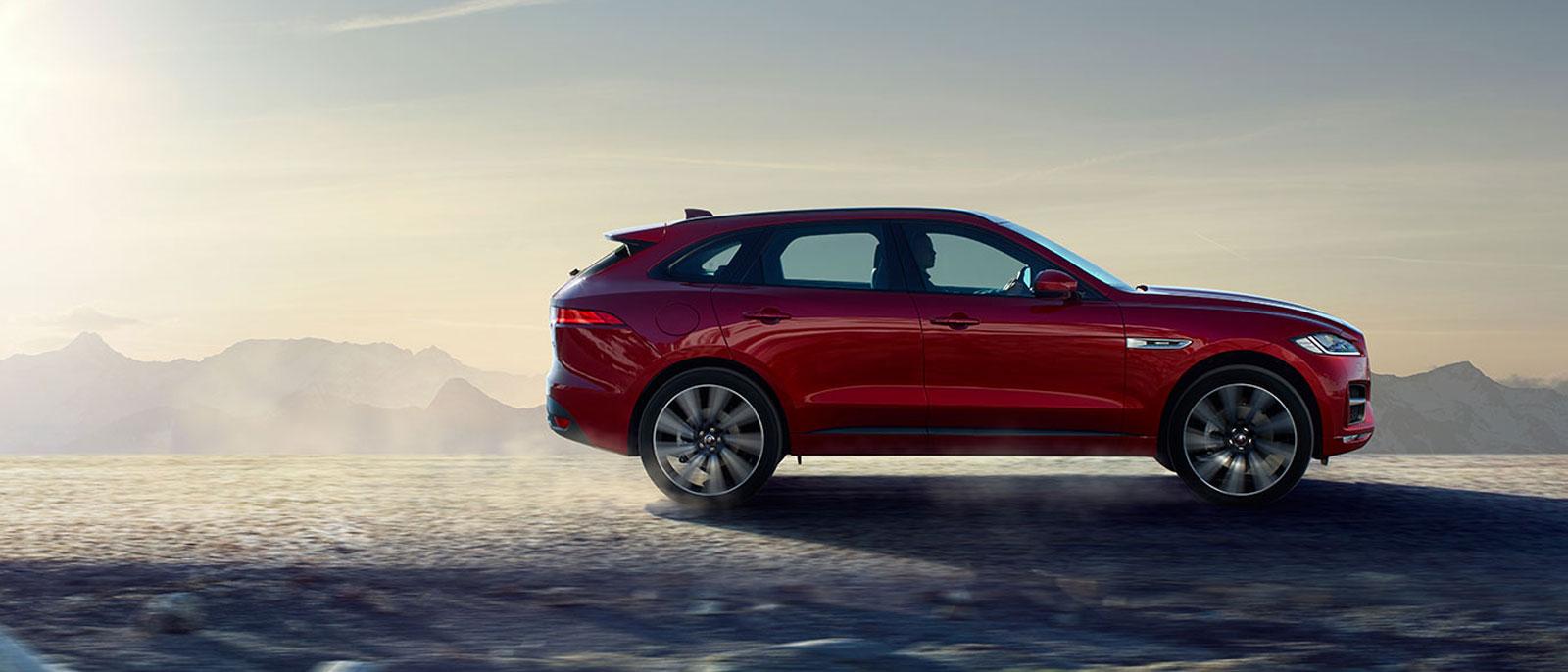 2017-Jaguar-F-PACE-s3
