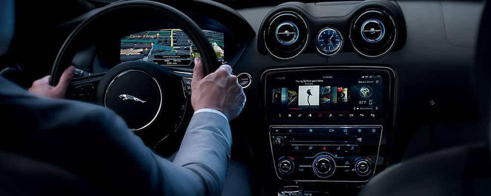 2019 Jaguar XJ Interior Dasboard with Incontrol