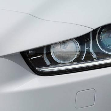 2018 Jaguar XE Headlight