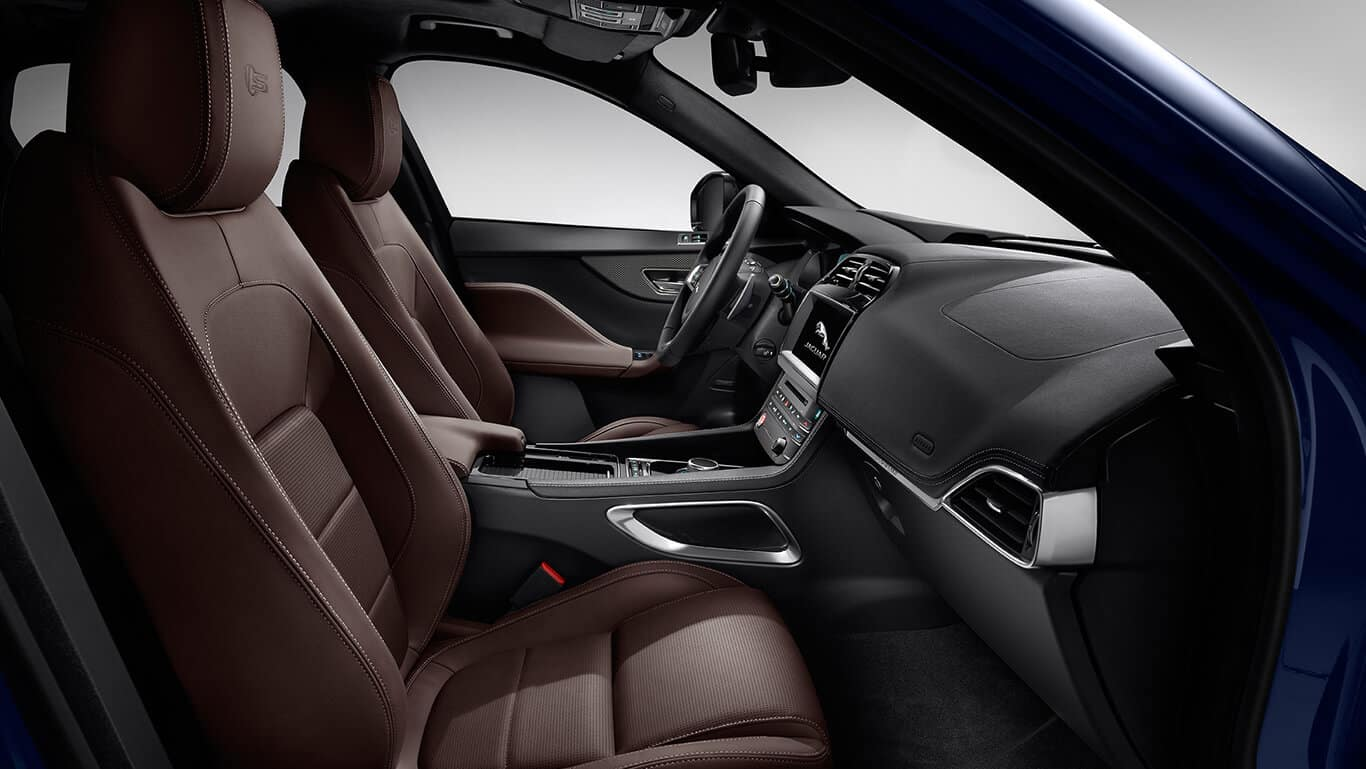2018 Jaguar F-PACE passenger cabin