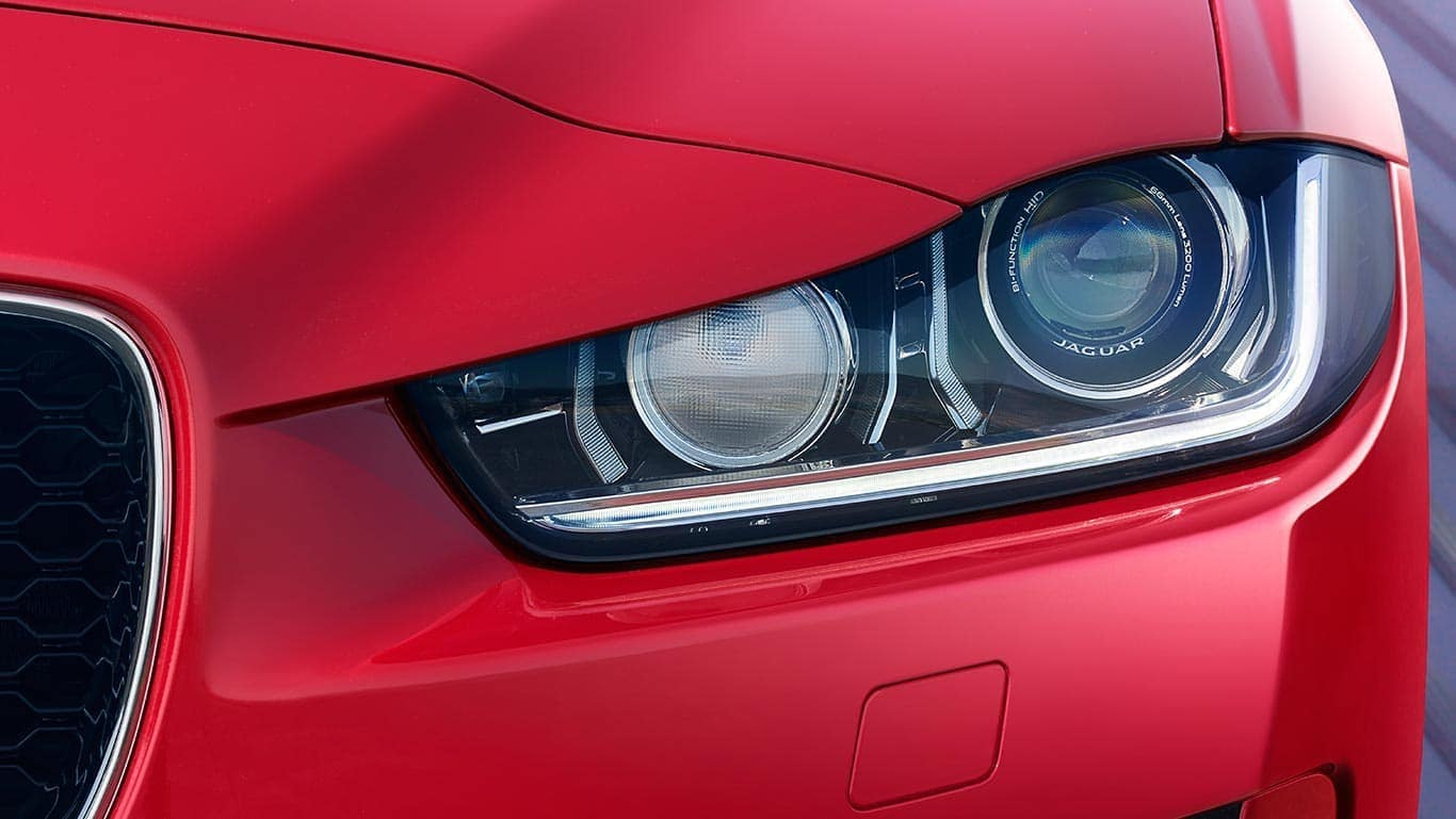 2019 Jaguar XE head lamp detail