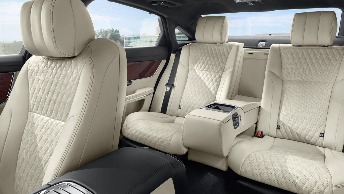 2017 Jaguar XJ interior seating