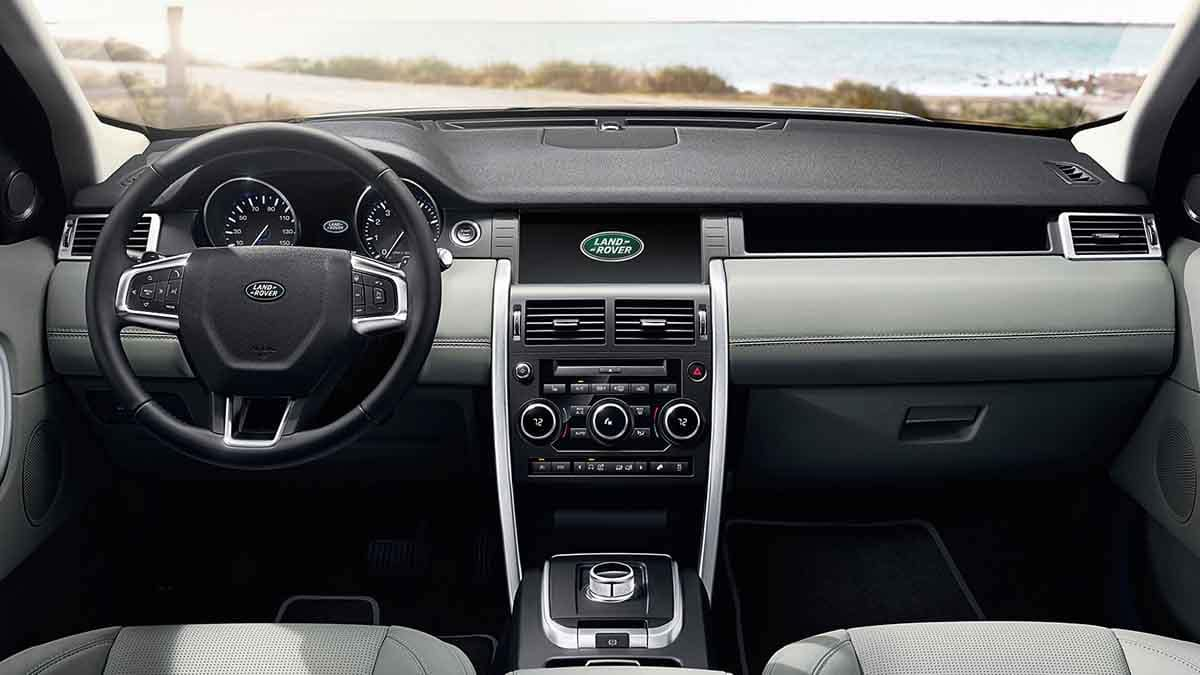 2018 Land Rover Discovery Sport interior dashboard