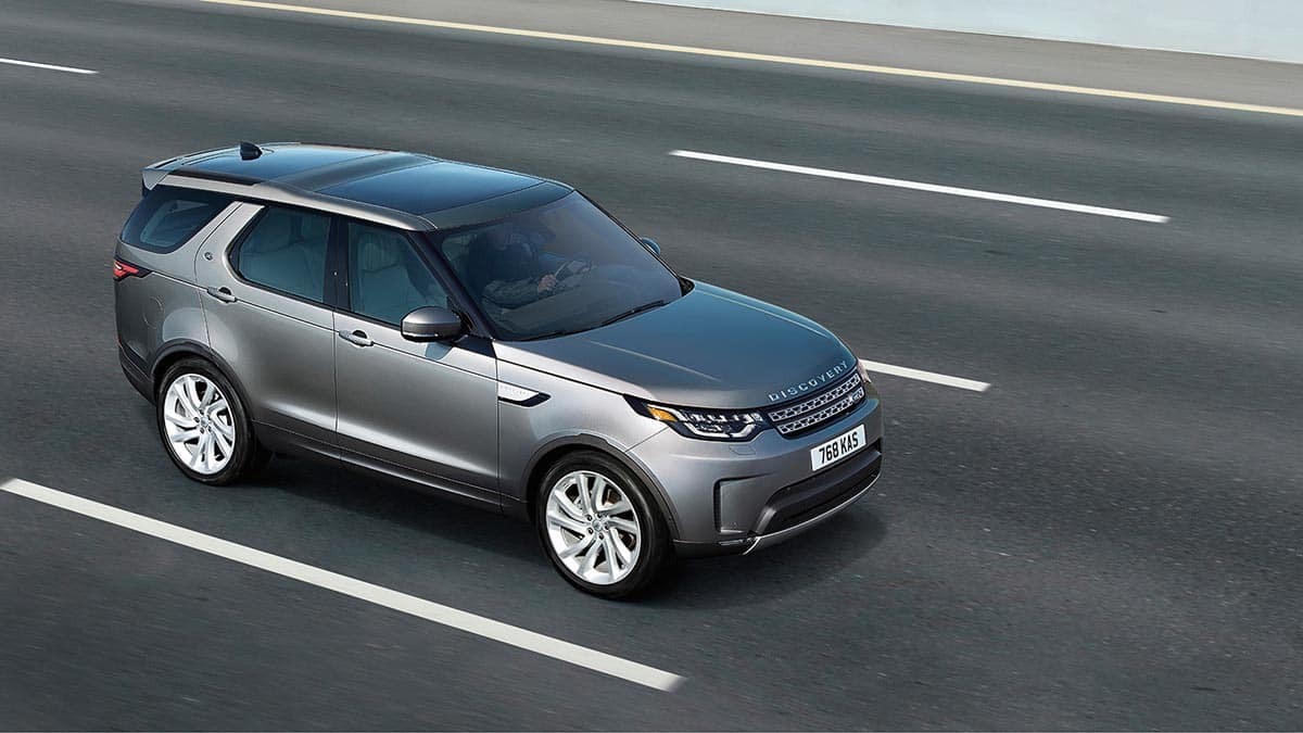 2018 Land Rover Discovery driving