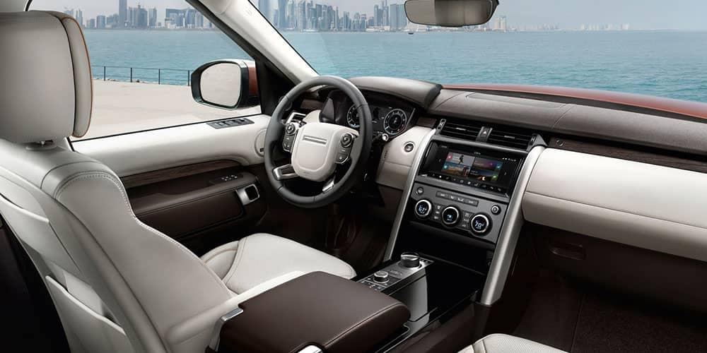 2018 Land Rover Discovery Interior Front and Dashboard Technology Features
