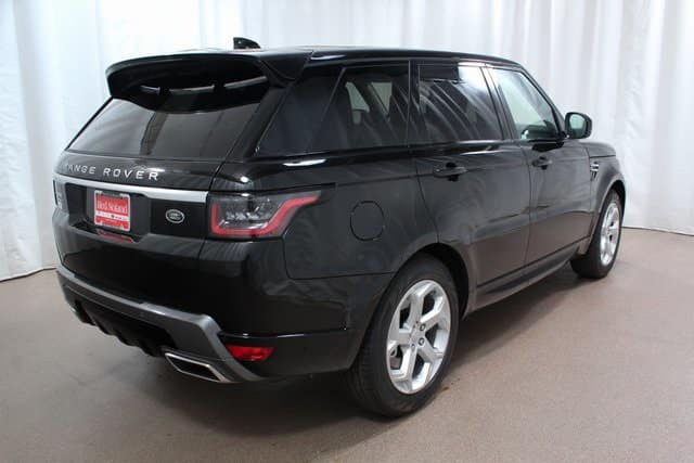 Dynamic exterior of 2018 Range Rover Sport