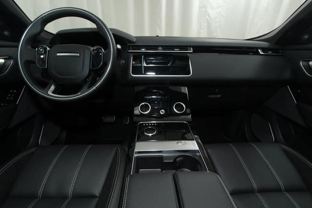 2018 Range Rover Velar luxury interior