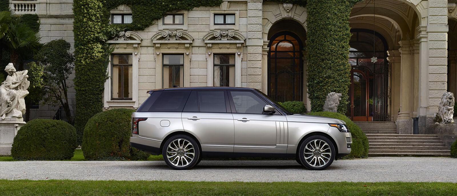 2017-Land-Rover-Range-Rover-Slide3